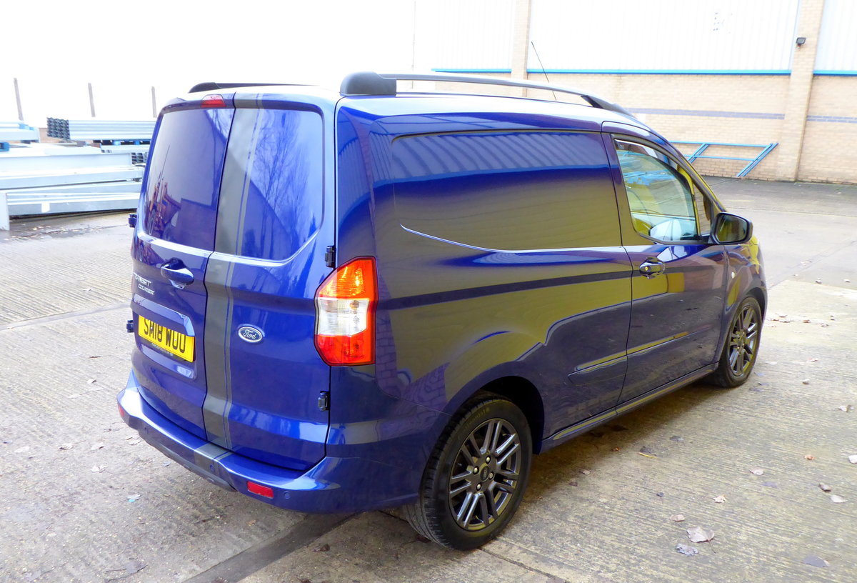 Ford Transit Courier 1.5 TDCI 95 SPORT Van. 2018 * NO VAT * For Sale (picture 2 of 6)