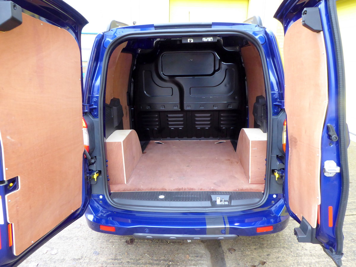 Ford Transit Courier 1.5 TDCI 95 SPORT Van. 2018 * NO VAT * For Sale (picture 3 of 6)