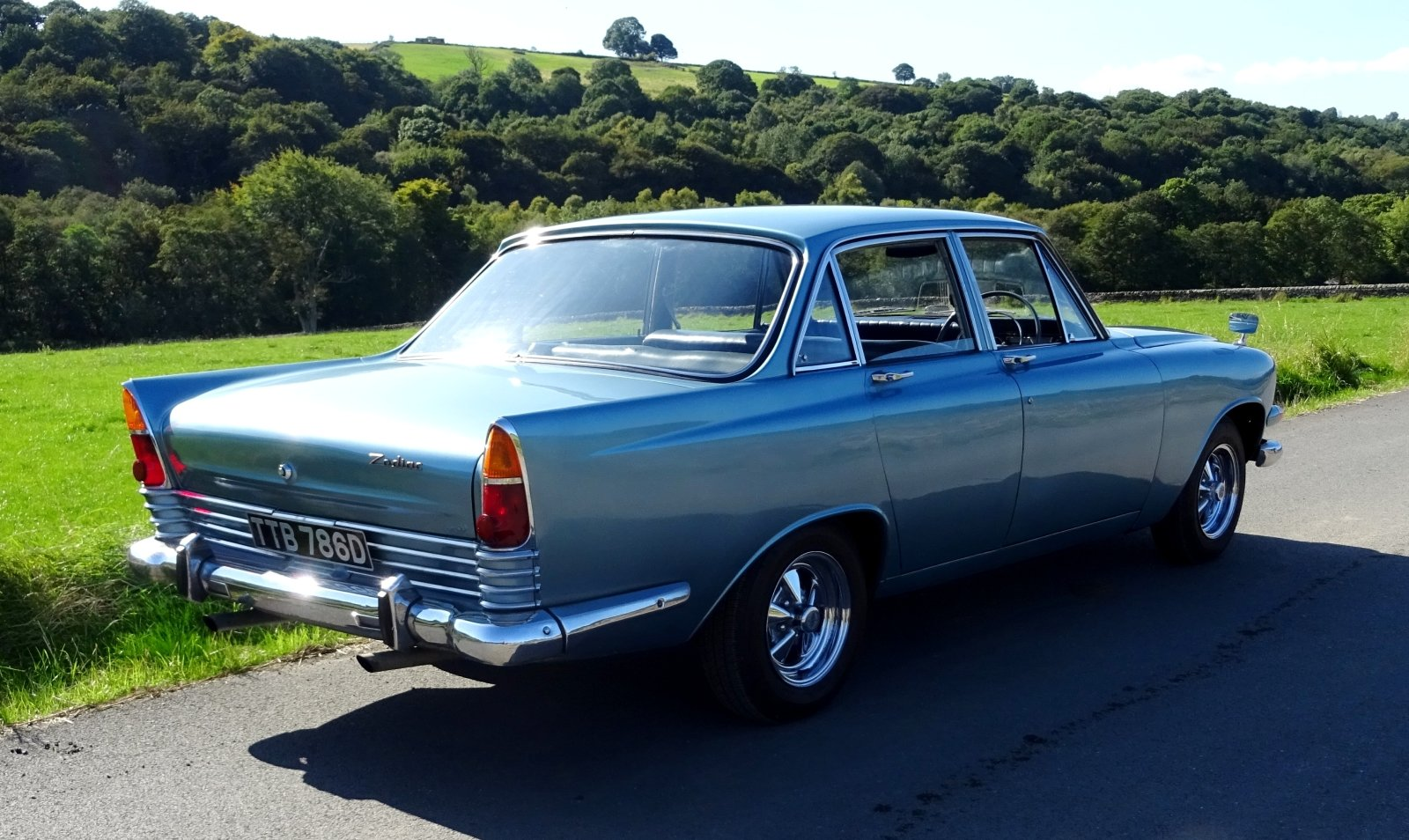 1966 FORD ZODIAC MK3 STUNNING DEEP BLUE PAINT & SPARKLING CHROME For Sale (picture 5 of 6)