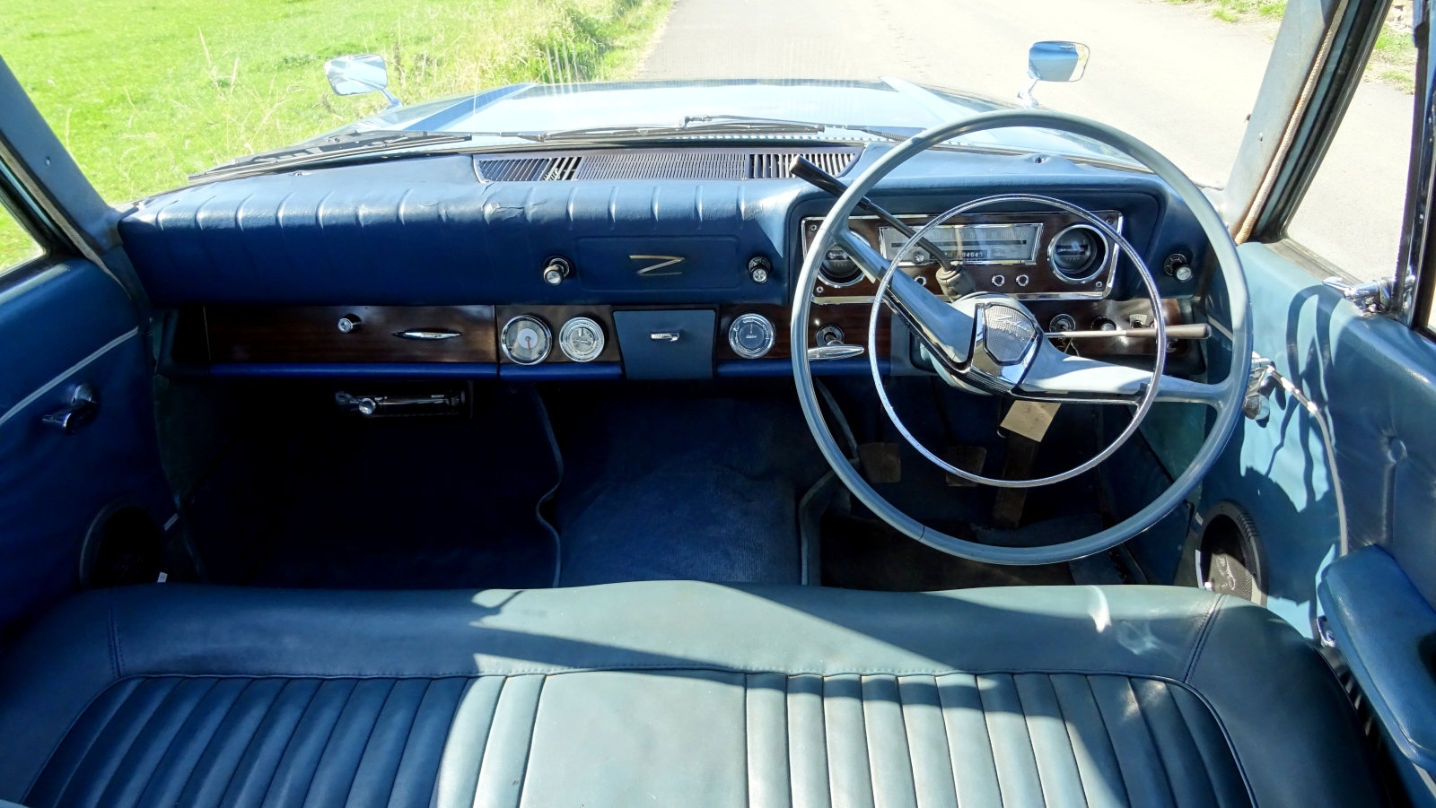 1966 FORD ZODIAC MK3 STUNNING DEEP BLUE PAINT & SPARKLING CHROME For Sale (picture 6 of 6)