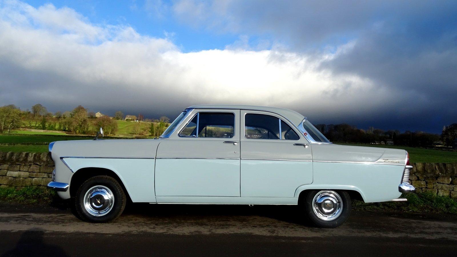 1960 FORD ZODIAC MK2 LOWLINE ORIGINAL TWO TONE COLOUR SCHEME For Sale (picture 4 of 6)