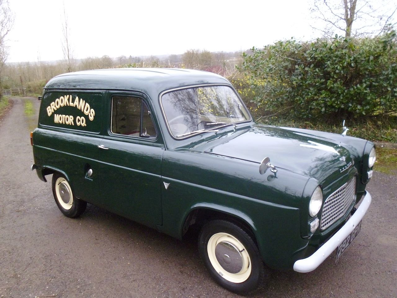 1958 Ford Thames 7cwt Van Fully restored For Sale (picture 1 of 6)