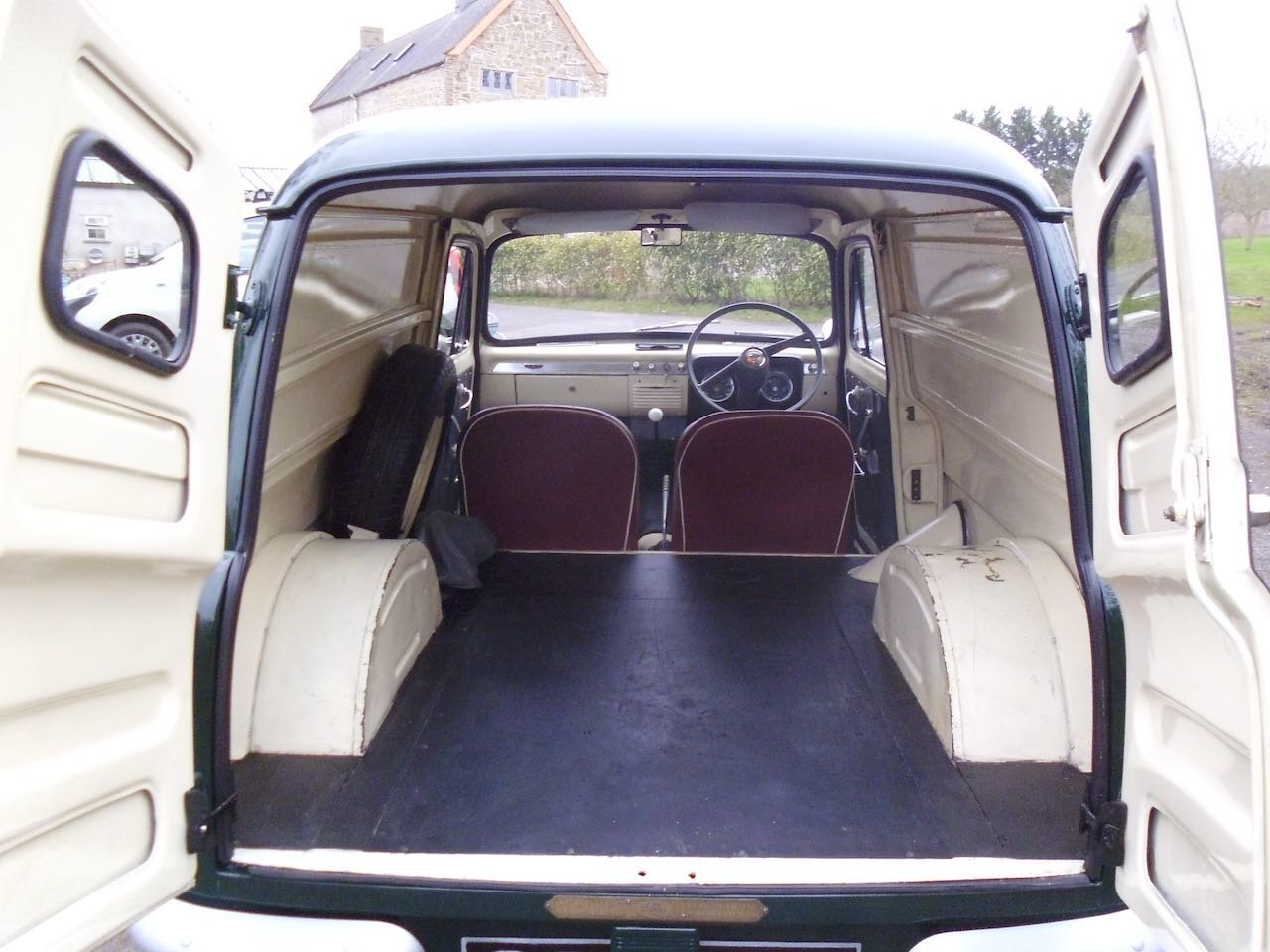 1958 Ford Thames 7cwt Van Fully restored For Sale (picture 4 of 6)