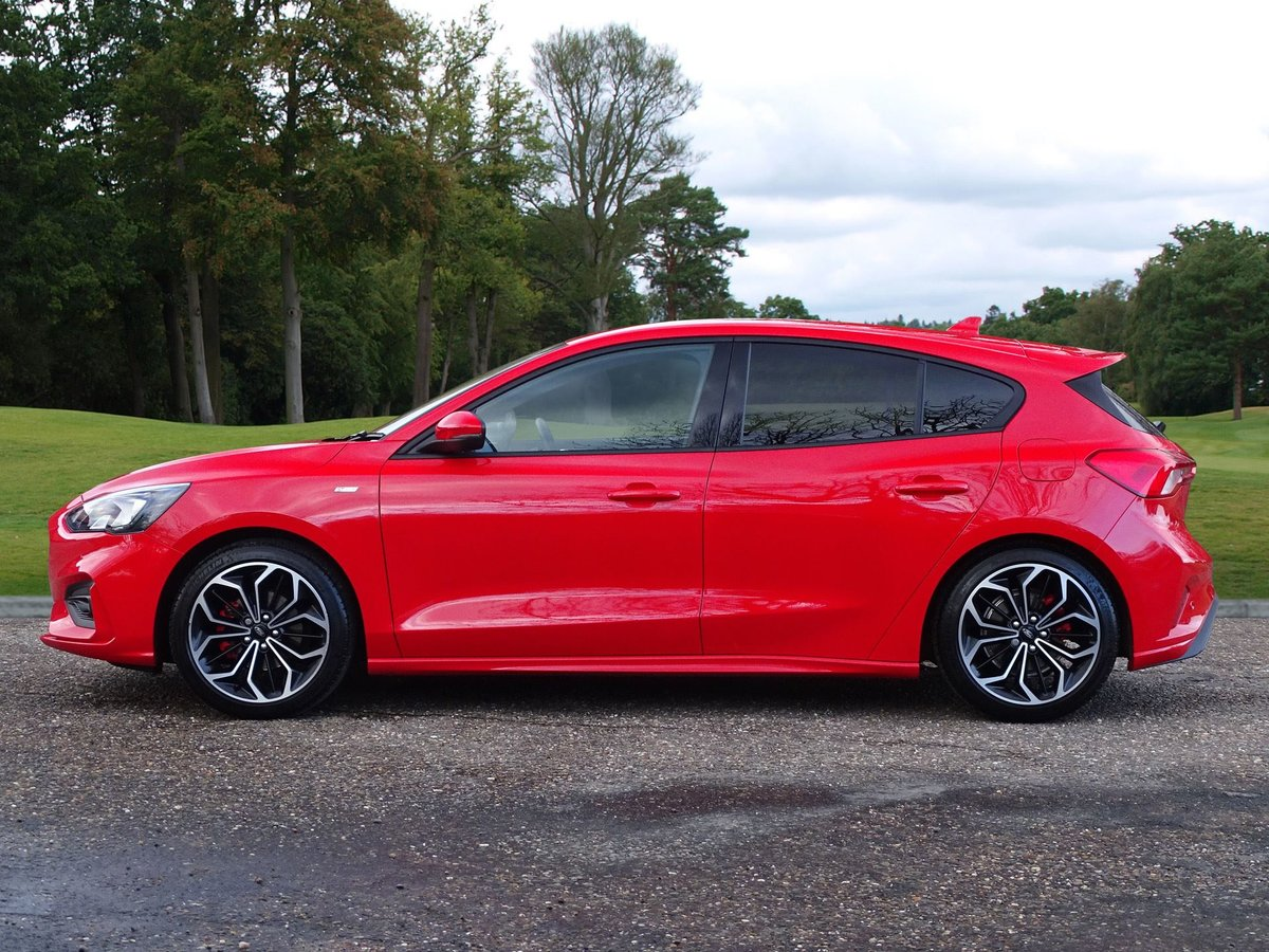 2019 Ford  FOCUS  ST-LINE X  16,948 For Sale (picture 2 of 18)