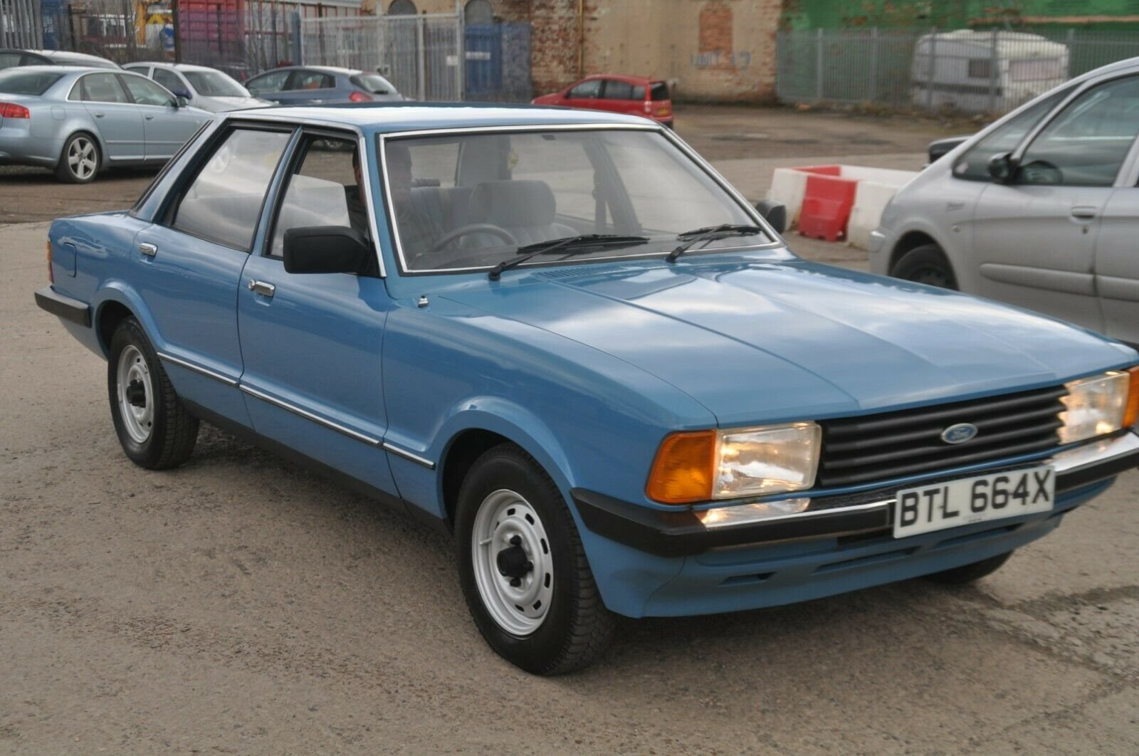 1981 FORD CORTINA L MK5 LOW MILES  For Sale (picture 2 of 6)