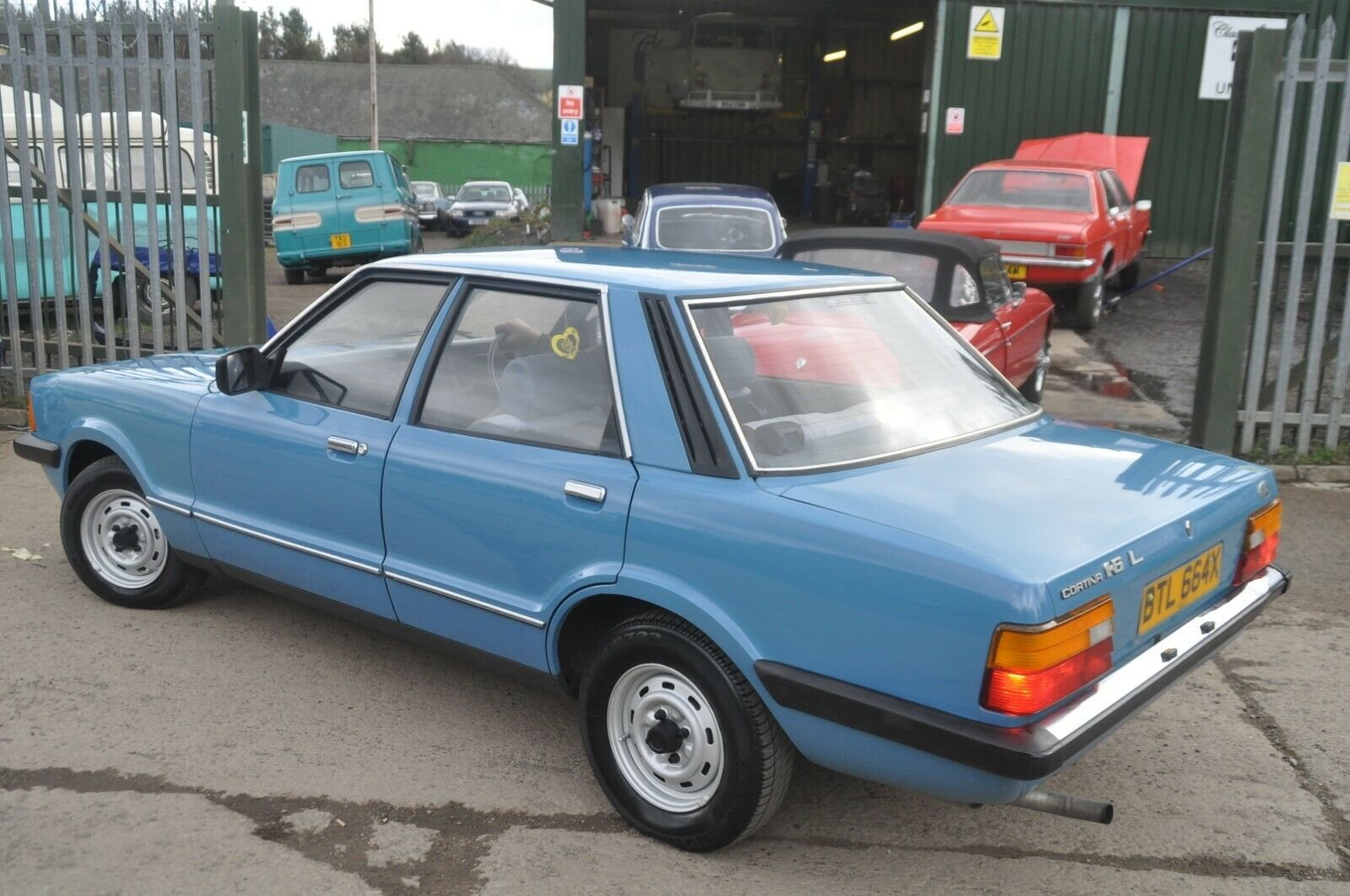1981 FORD CORTINA L MK5 LOW MILES  For Sale (picture 3 of 6)