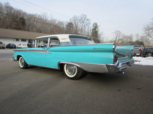 Ford Fairlane Galaxie 500