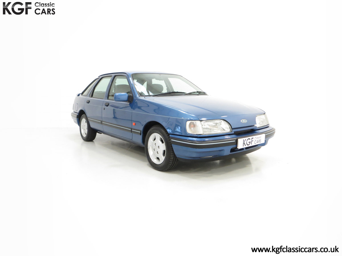 1992 A Final limited-Edition Ford Sierra Azura 1.8 37,479 Miles For Sale (picture 1 of 6)