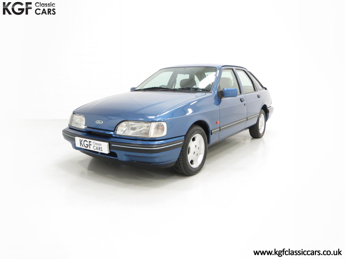 1992 A Final limited-Edition Ford Sierra Azura 1.8 37,479 Miles For Sale (picture 2 of 6)
