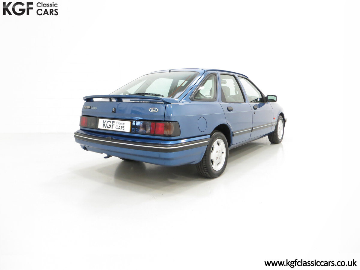 1992 A Final limited-Edition Ford Sierra Azura 1.8 37,479 Miles For Sale (picture 5 of 6)