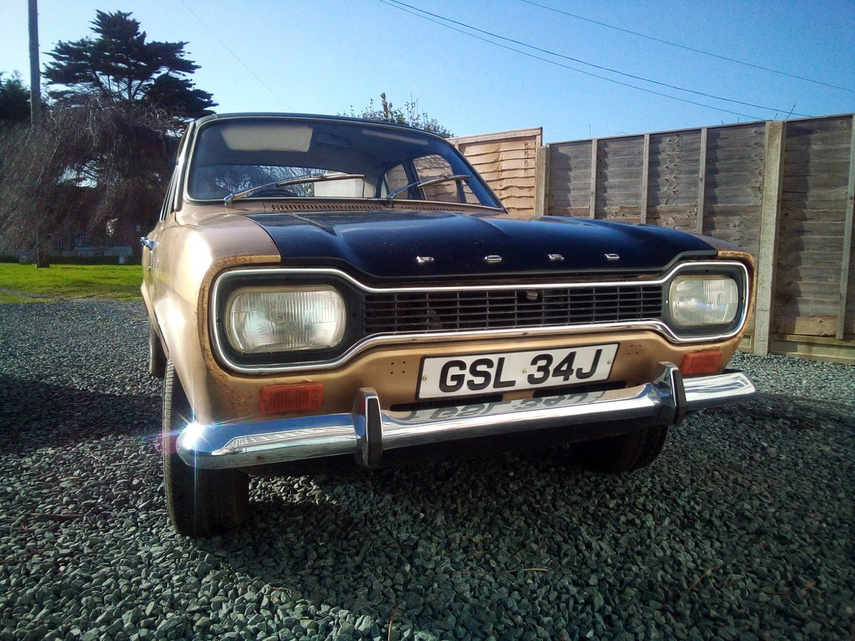 1971 Ford Escort Mk1 1.3 XL Gold Vinyl Roof For Sale (picture 1 of 6)