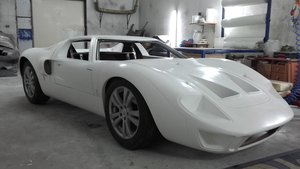 1966 GT 40 replica body and chassis