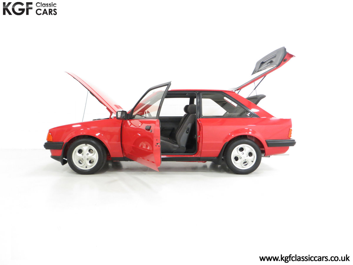 1985 An award-winning late Ford Escort Mk3 XR3i in rare Rosso Red SOLD (picture 3 of 6)