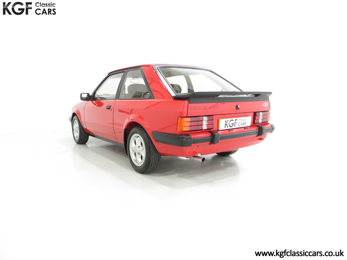 1985 An award-winning late Ford Escort Mk3 XR3i in rare Rosso Red SOLD (picture 4 of 6)