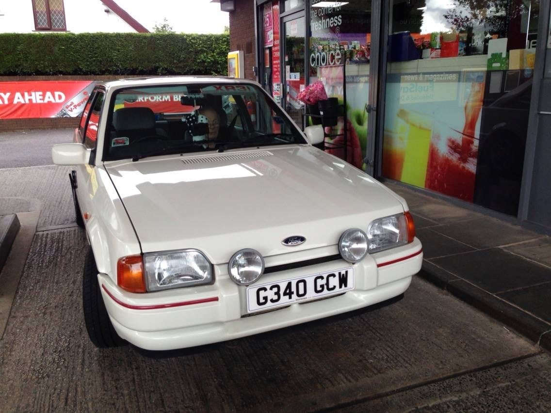 1989 Ford Escort XR3i one lady owner from new For Sale (picture 2 of 6)