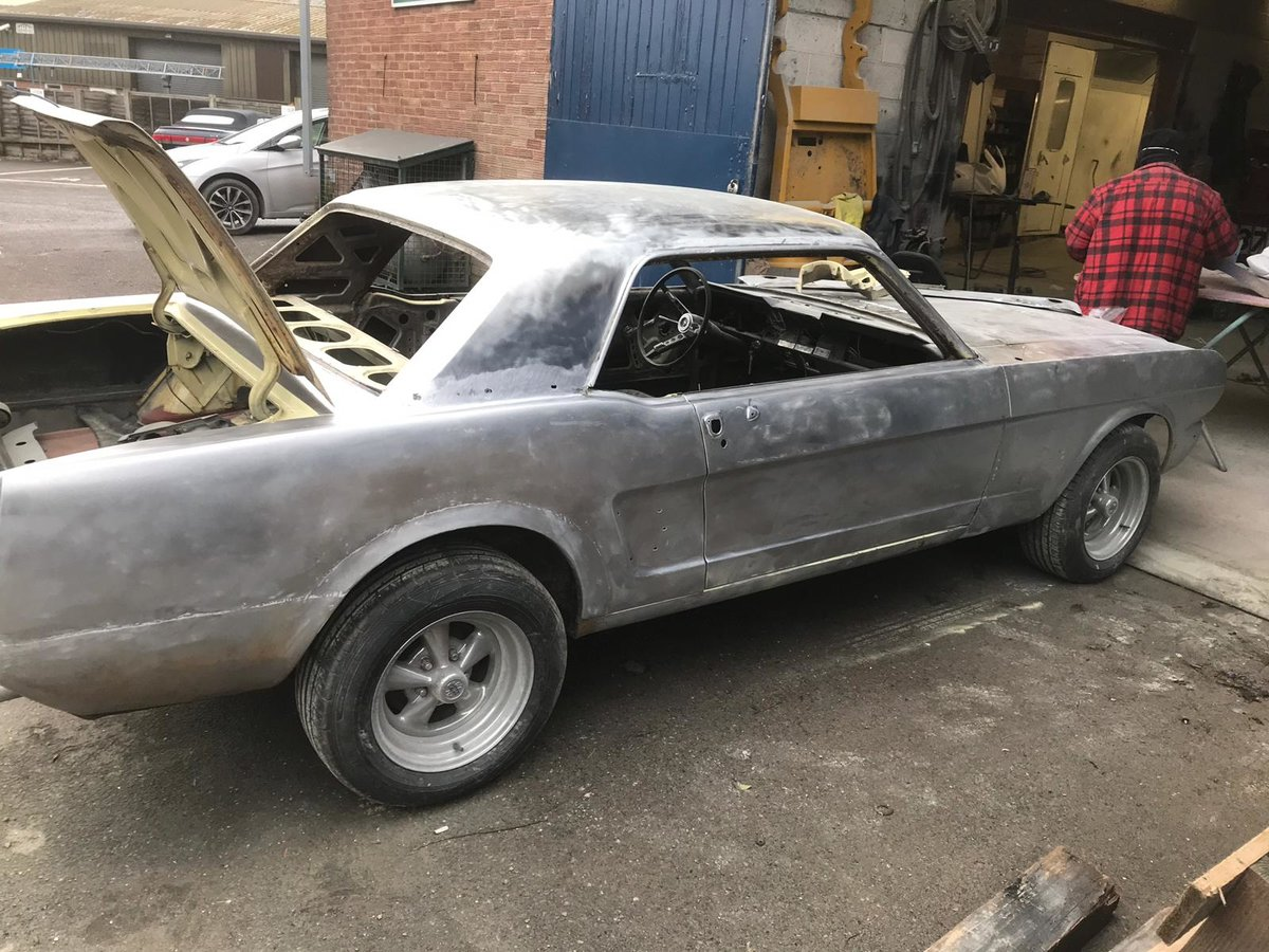 1966 FORD Mustang Coupe Springtime Yellow V8  For Sale (picture 5 of 6)