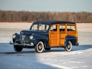 1941 Ford Super DeLuxe Station Wagon