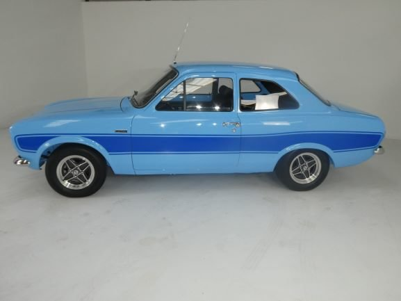 1974 FORD ESCORT MK1  RS2000 FROM A MOTORING ICONS COLLECTION For Sale (picture 3 of 6)