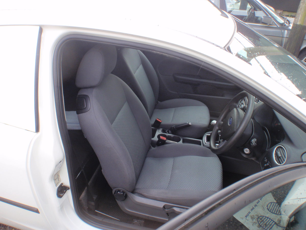 2006 Rare Ford Focus Van, mot, drives mint, mint inside For Sale (picture 4 of 6)
