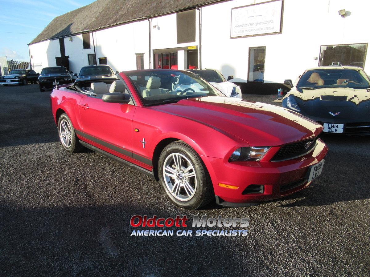 2010 Ford Mustang Convertible auto premium 4.0 litre For Sale (picture 1 of 6)