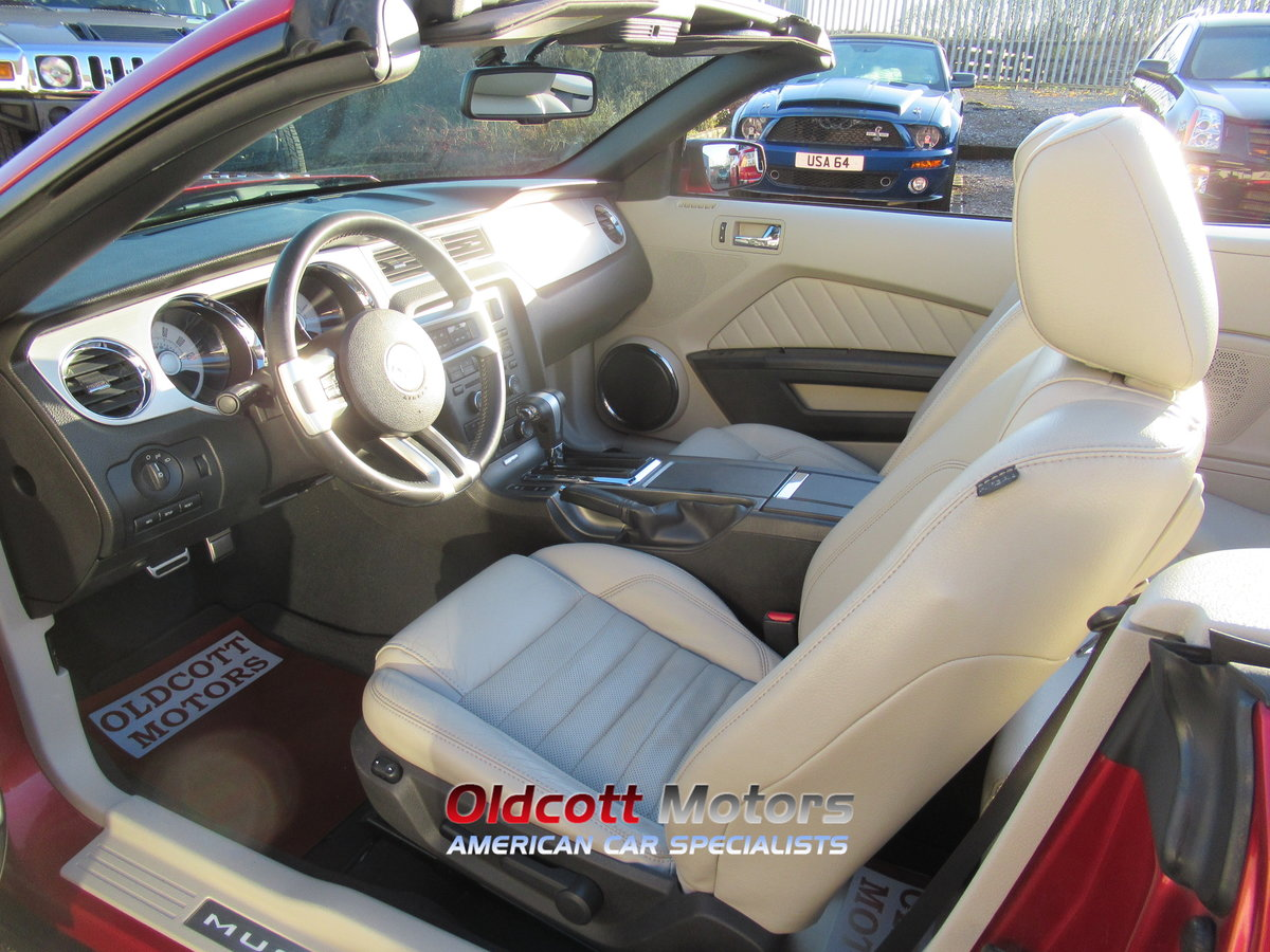 2010 Ford Mustang Convertible auto premium 4.0 litre For Sale (picture 3 of 6)
