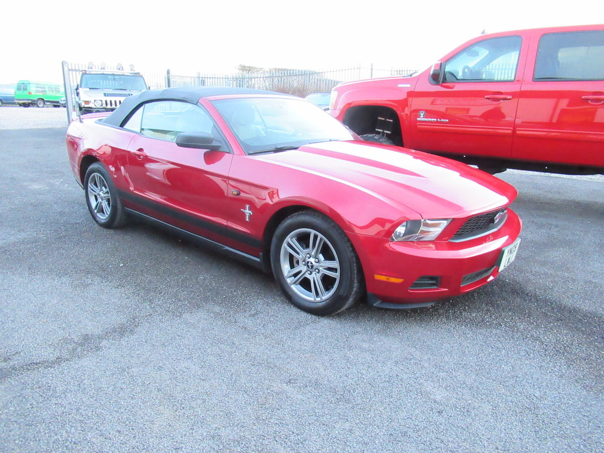2010 Ford Mustang Convertible auto premium 4.0 litre For Sale (picture 4 of 6)