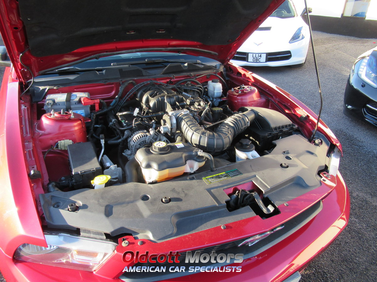 2010 Ford Mustang Convertible auto premium 4.0 litre For Sale (picture 5 of 6)