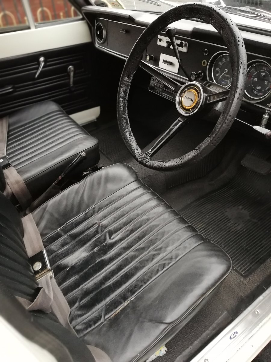1969 Ford Cortina MK2 Automatic For Sale (picture 4 of 6)
