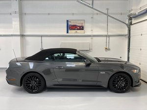Ford Mustang Convertible 5.0 V8 GT, Custom Pack, 14,000 mile