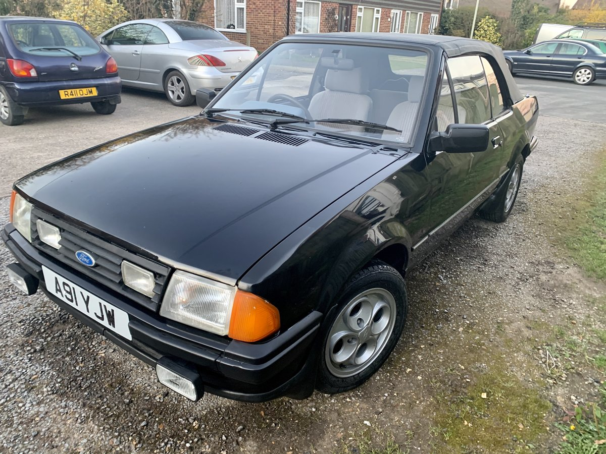 1984 Ford Escort Mk3 1.6 Cabriolet For Sale (picture 2 of 6)
