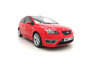 2007 A gleaming Ford Focus ST-2 3dr with 73,134 miles.