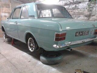 Mk2 cortina 1600 2-door restored