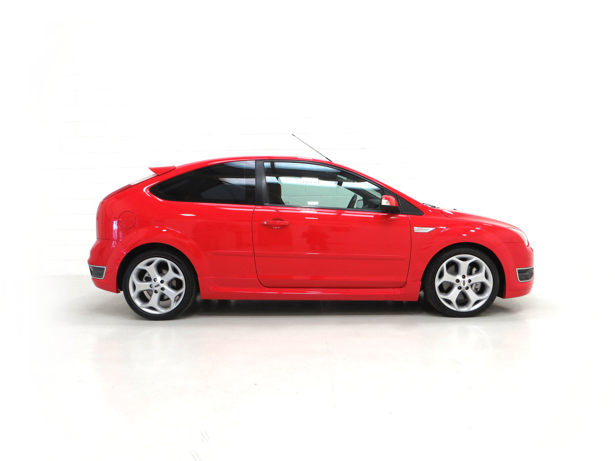 2007 A gleaming Ford Focus ST-2 3dr with 73,134 miles. For Sale (picture 14 of 24)