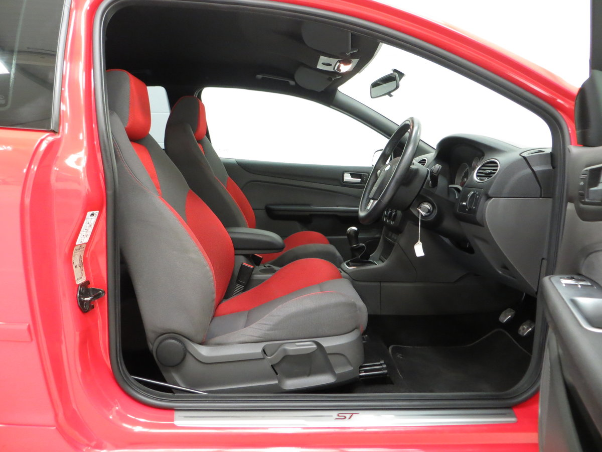 2007 A gleaming Ford Focus ST-2 3dr with 73,134 miles. For Sale (picture 17 of 24)