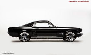 1966 FORD MUSTANG FASTBACK // 289 FASTBACK // RHD CONVERSION
