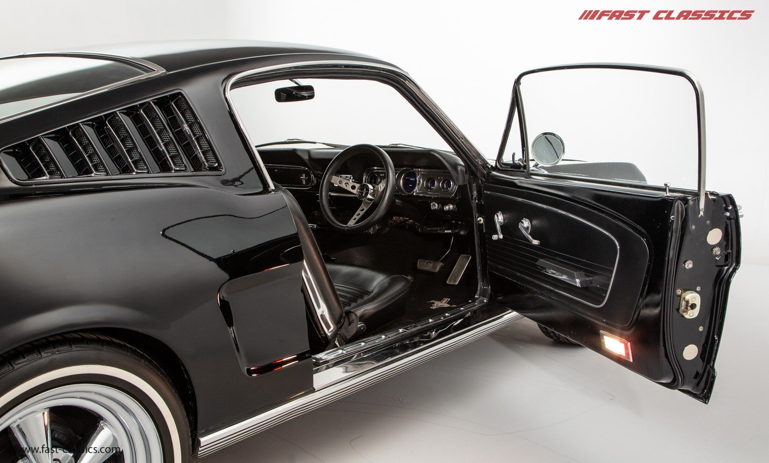 1966 FORD MUSTANG FASTBACK // 289 FASTBACK // RHD CONVERSION  For Sale (picture 11 of 22)