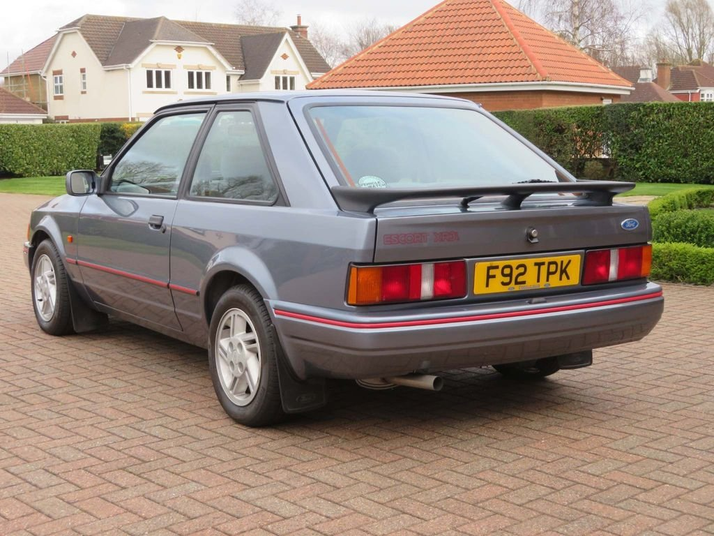 1989 ford escort 1.6 xr3i For Sale (picture 2 of 6)