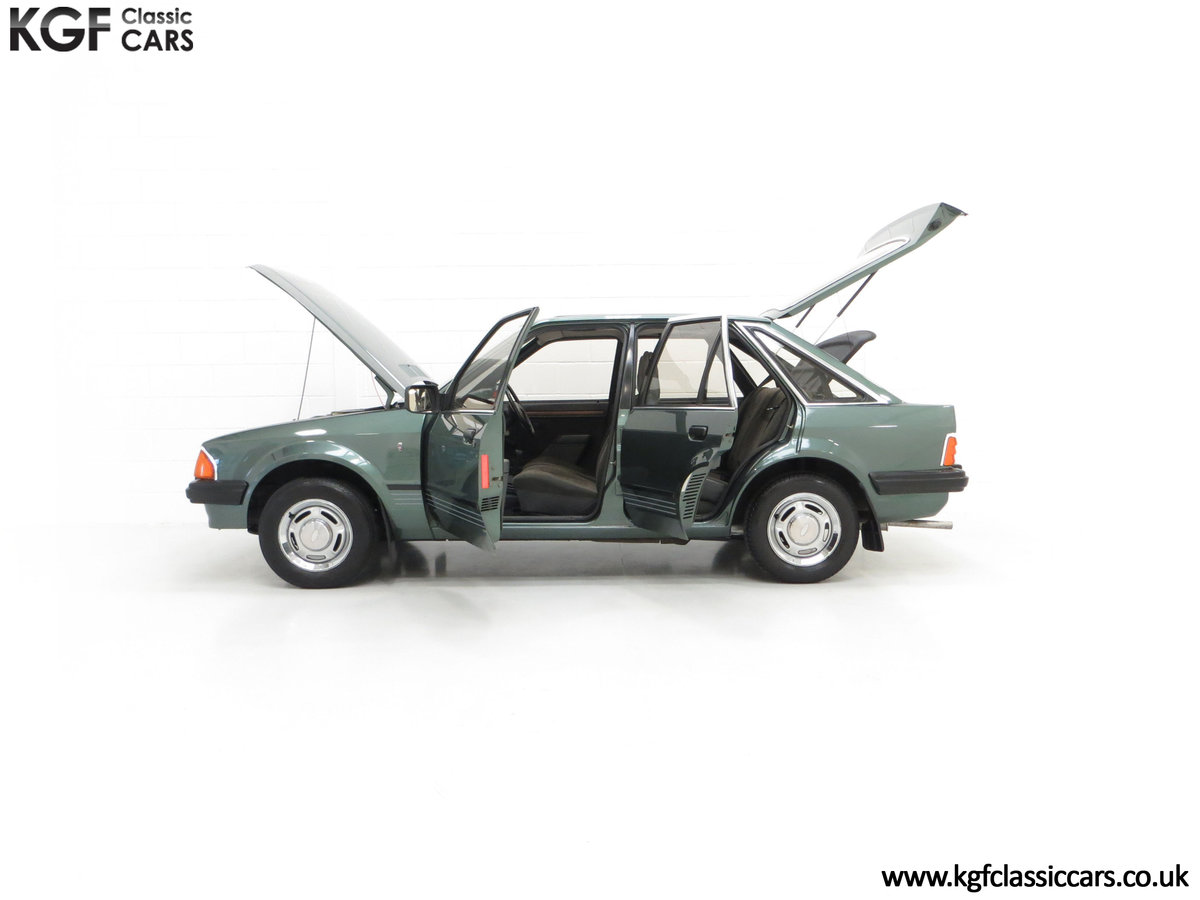 1981 An Early Launch Colour Ford Escort 1.3 Ghia Mk3 Family Owned SOLD (picture 7 of 24)