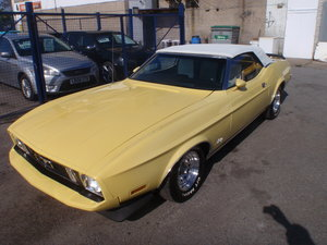 Ford Mustang 351 Windsor Convertible.