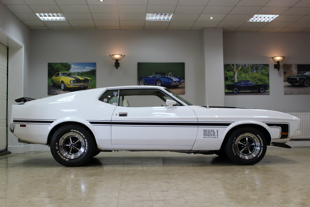 1972 Ford Mustang Mach 1 351 V8 Fastback | Huge Upgrades  SOLD (picture 2 of 10)