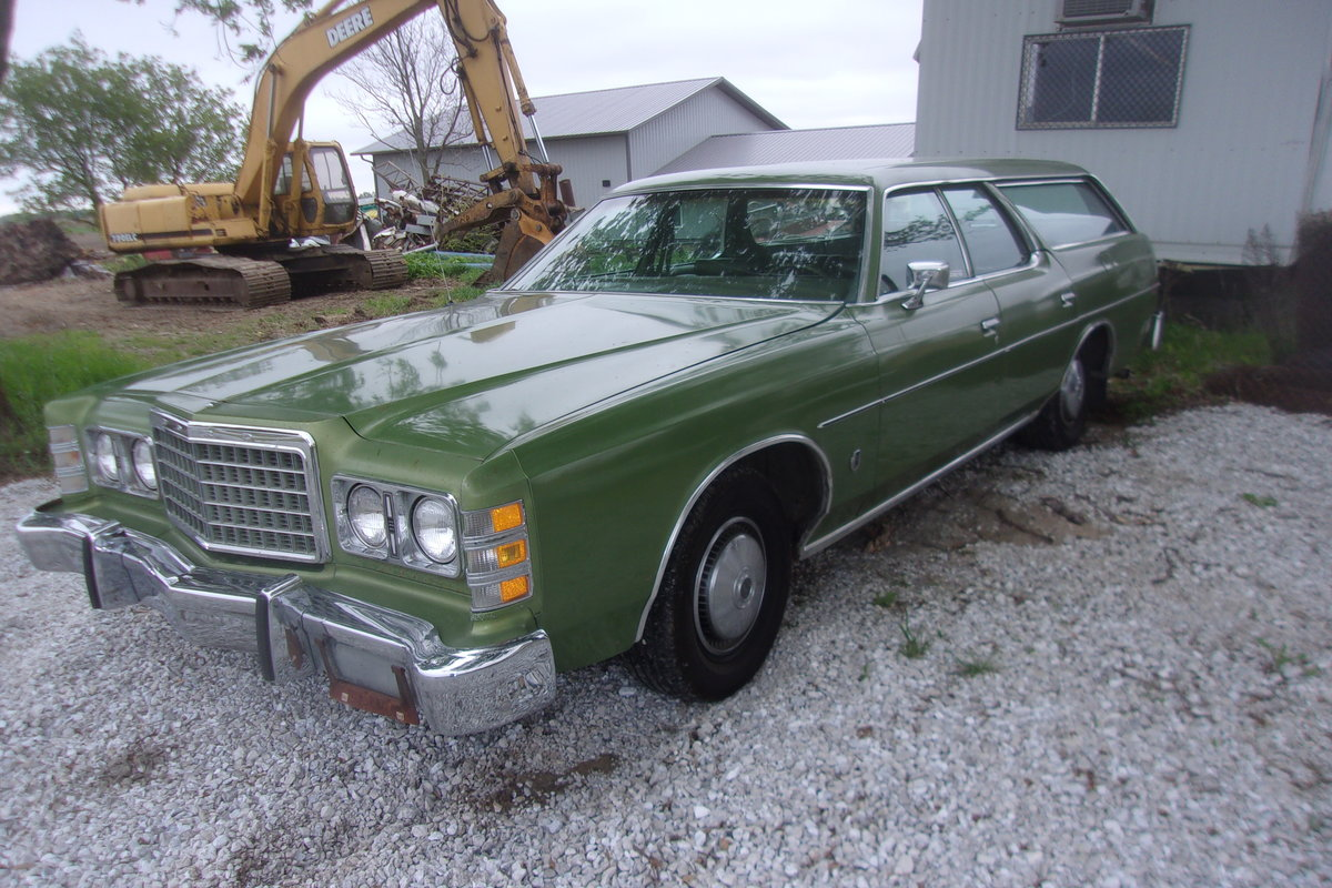 1975 Ford LTD Station Wagon For Sale (picture 1 of 6)