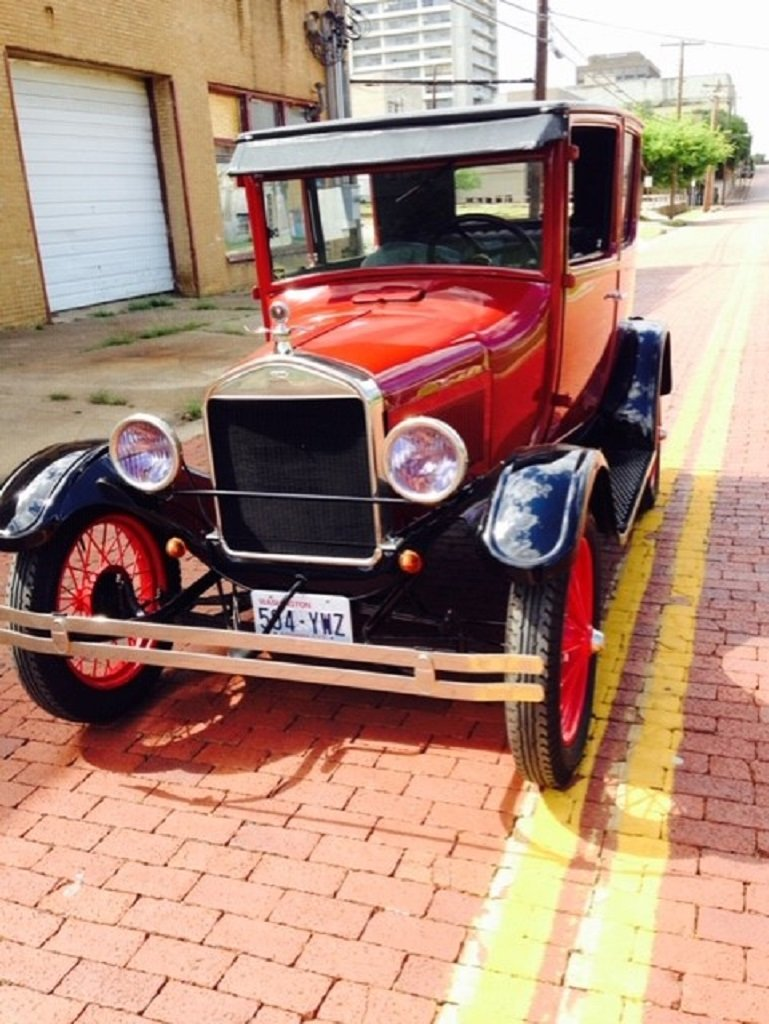 1926 Ford Model T 2DR Sedan For Sale (picture 2 of 6)