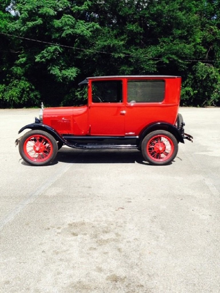 1926 Ford Model T 2DR Sedan For Sale (picture 3 of 6)