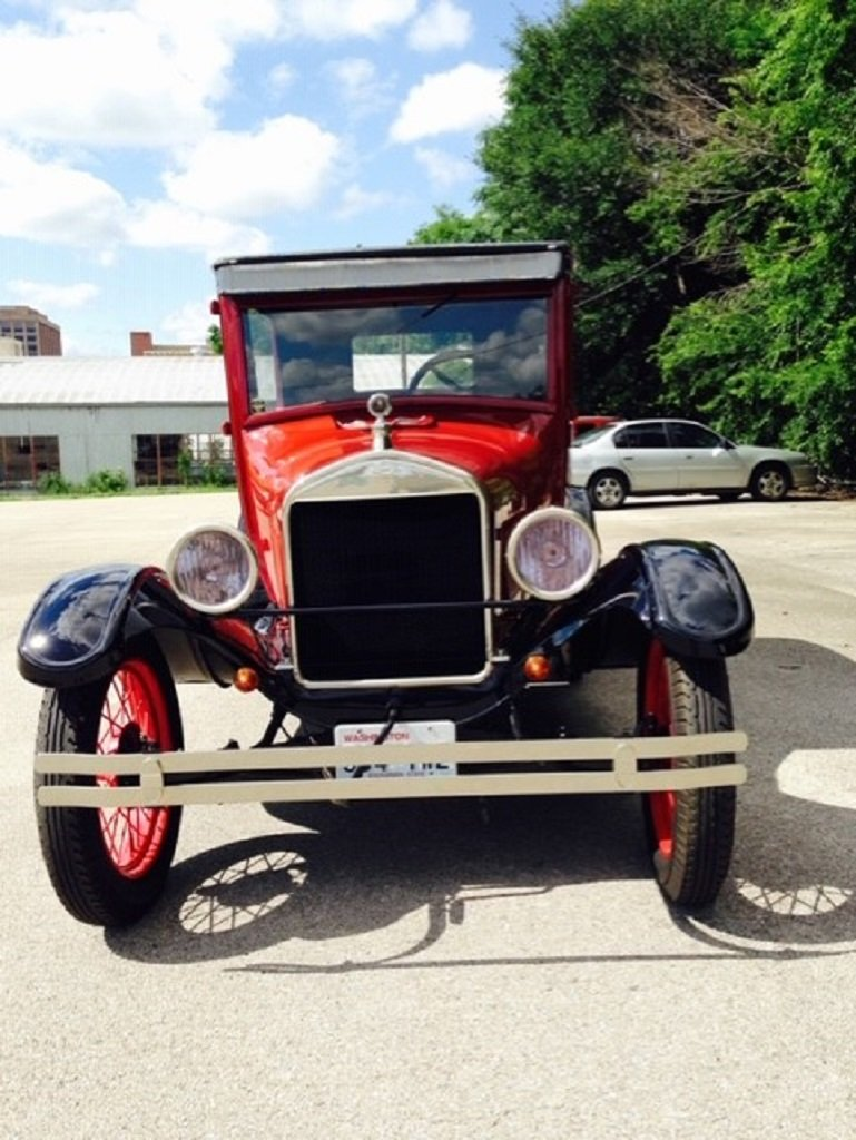 1926 Ford Model T 2DR Sedan For Sale (picture 4 of 6)
