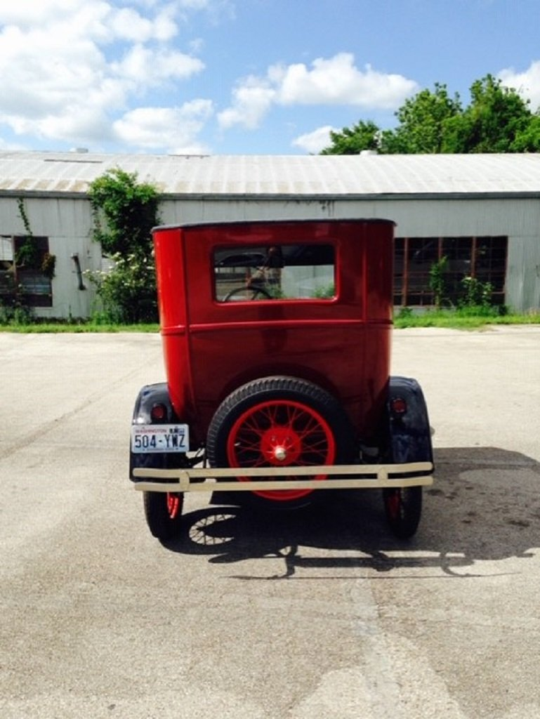 1926 Ford Model T 2DR Sedan For Sale (picture 6 of 6)
