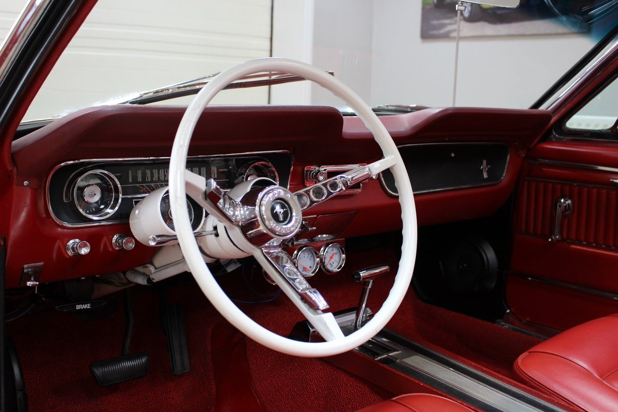 1966 Ford Mustang Convertible 351 V8 Auto | Huge Upgrades For Sale (picture 10 of 10)
