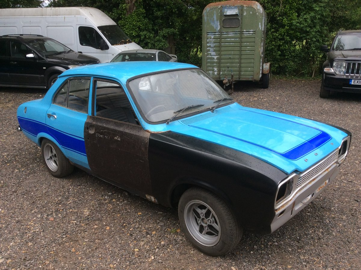 1974 Ford MK1 ESCORT 1.3 MANUAL (STARTS AND DRIVES) For Sale (picture 2 of 6)