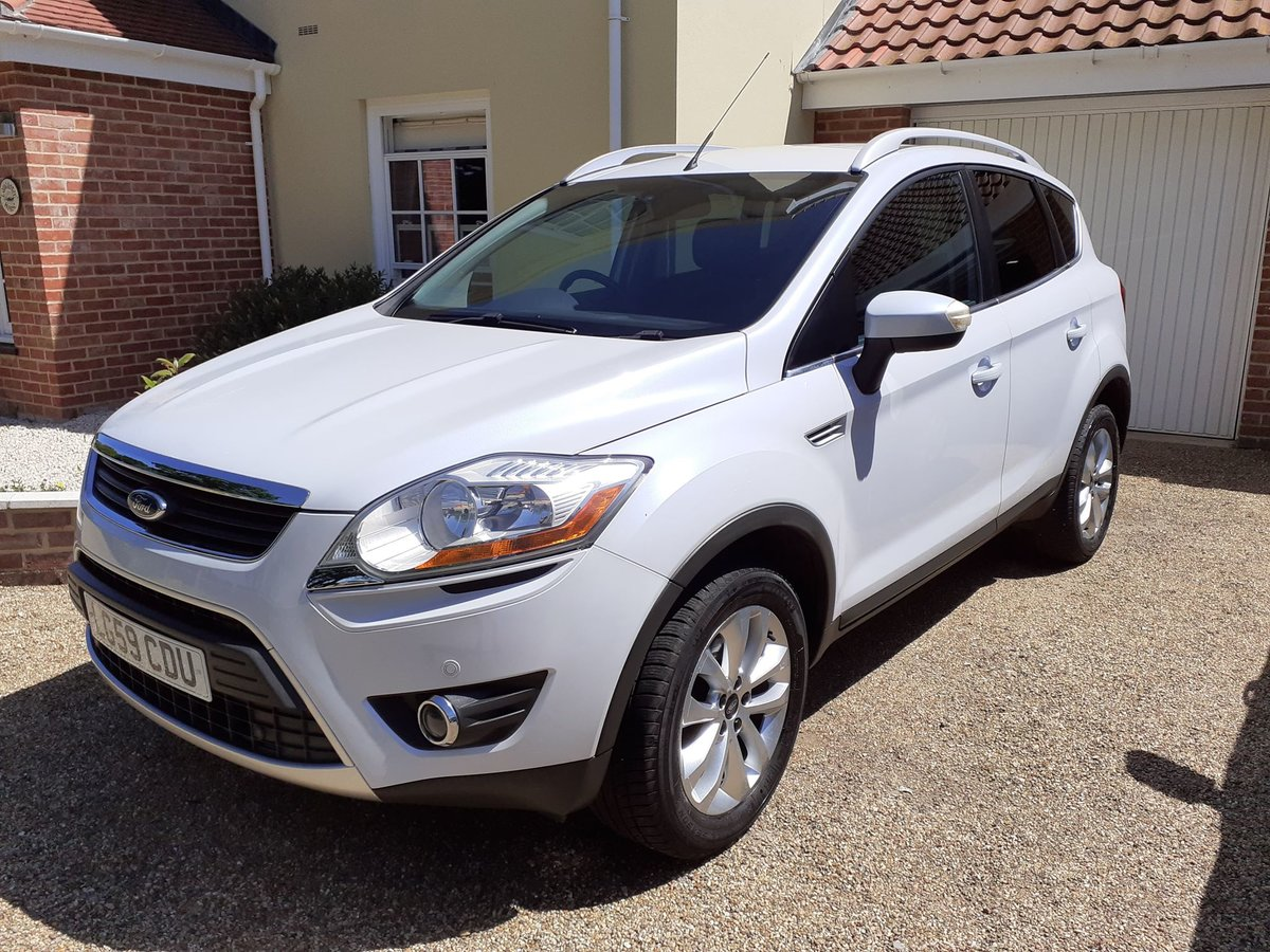 2009 Ford kuga 2.0tdci titanium 2wd 5 door low mileage For Sale (picture 1 of 6)