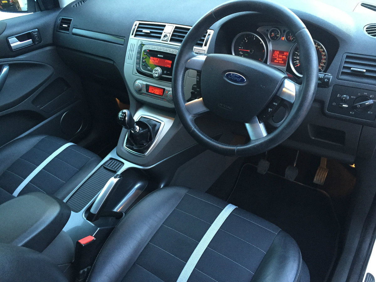 2009 Ford kuga 2.0tdci titanium 2wd 5 door low mileage For Sale (picture 4 of 6)