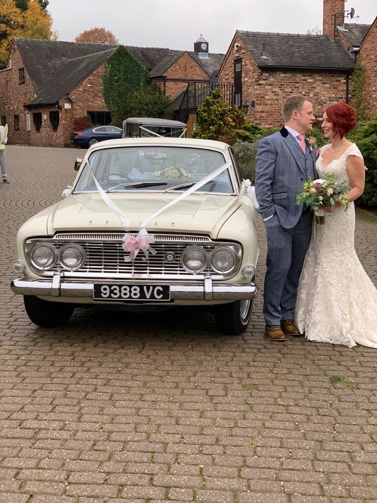1963 FORD ZODIAC MK3 WEDDING CAR For Hire (picture 1 of 6)